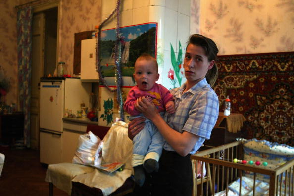 Apartment「St.Petersburg Residents Live In Poverty in Communal Housing」:写真・画像(15)[壁紙.com]