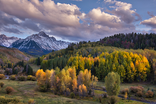 Uncompahgre National Forest「Mt. Sneffels at sunset in autumn」:スマホ壁紙(19)