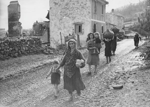 Village「Italians In Transit」:写真・画像(11)[壁紙.com]