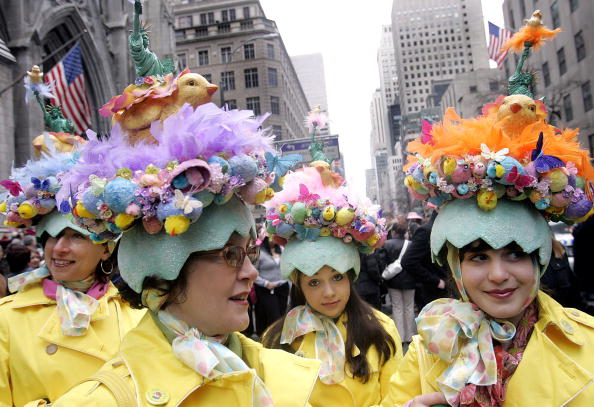 Easter「New Yorkers Show Off Their Finery At Annual Easter Parade」:写真・画像(10)[壁紙.com]