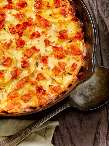 Scalloped - Pattern「Skillet baked, Scalloped Potatoes with Bacon」:スマホ壁紙(9)