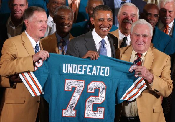 Miami Dolphins「President Obama Hosts The 1972 Superbowl Champion Miami Dolphins」:写真・画像(0)[壁紙.com]