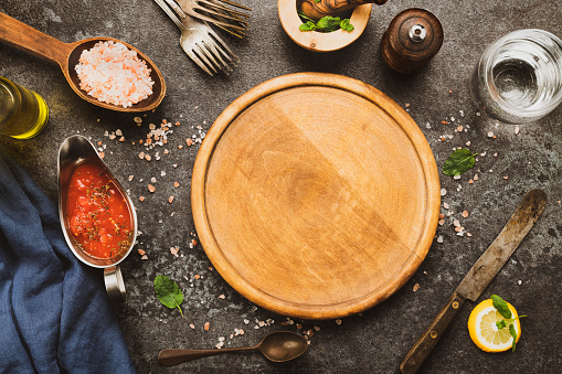 Recipe「Wooden pizza board and pizza cooking ingredients」:スマホ壁紙(13)