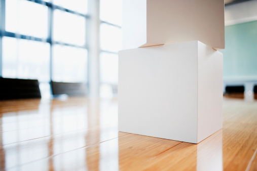 Cube Shape「Cubes stacked on conference room table」:スマホ壁紙(17)