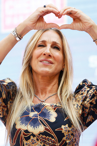 Sarah Jessica Parker「Sarah Jessica Parker Greets Fans At Highpoint Shopping Centre」:写真・画像(11)[壁紙.com]