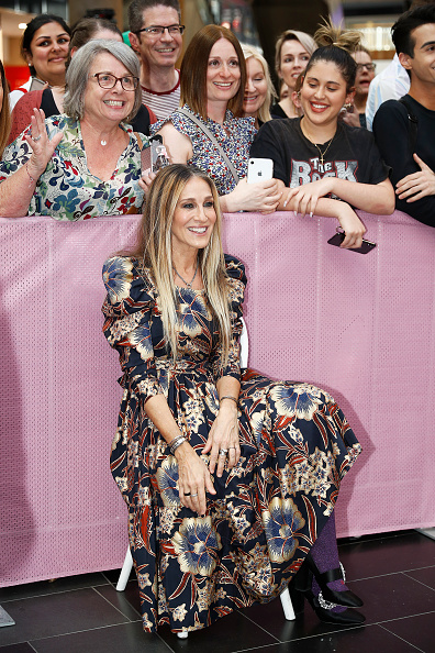 Sarah Jessica Parker「Sarah Jessica Parker Greets Fans At Highpoint Shopping Centre」:写真・画像(5)[壁紙.com]