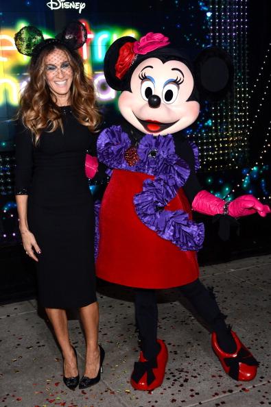 ミニーマウス「Barneys New York And Disney Electric Holiday Window Unveiling Hosted By Sarah Jessica Parker, Bob Iger, And Mark Lee - Inside」:写真・画像(14)[壁紙.com]
