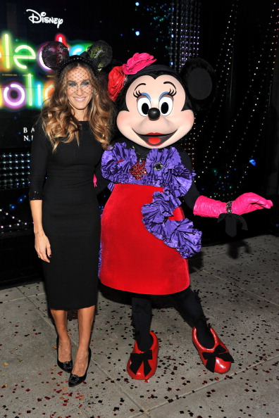 ミニーマウス「Unveiling Moment At Barneys New York & Disney Electric Holiday Spectacular With Sarah Jessica Parker, Bob Iger, and Mark Lee」:写真・画像(15)[壁紙.com]
