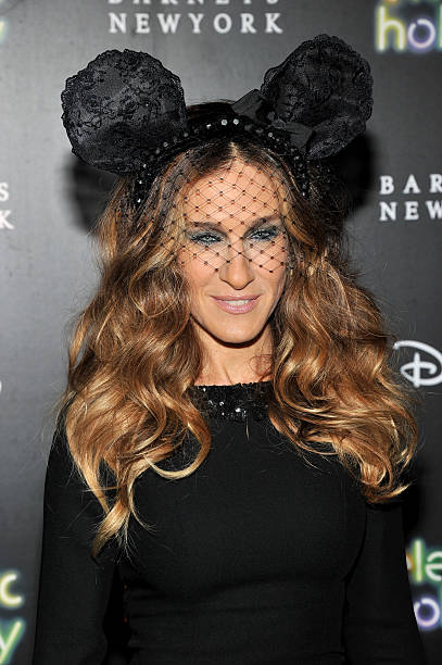 Barneys New York And Disney Electric Holiday Window Unveiling Hosted By Sarah Jessica Parker, Bob Iger, And Mark Lee - Arrivals:ニュース(壁紙.com)