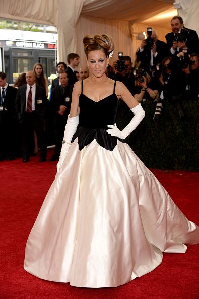 "Sarah Jessica Parker「""Charles James: Beyond Fashion"" Costume Institute Gala - Arrivals」:写真・画像(19)[壁紙.com]"