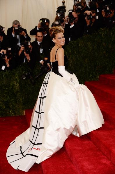 "Sarah Jessica Parker「""Charles James: Beyond Fashion"" Costume Institute Gala - Arrivals」:写真・画像(6)[壁紙.com]"