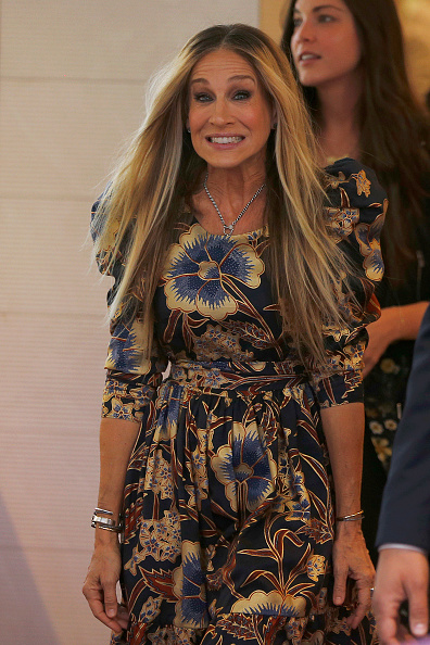 Sarah Jessica Parker「Sarah Jessica Parker Greets Fans At Highpoint Shopping Centre」:写真・画像(7)[壁紙.com]