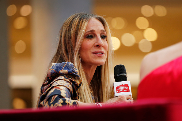 Sarah Jessica Parker「Sarah Jessica Parker Greets Fans At Highpoint Shopping Centre」:写真・画像(4)[壁紙.com]