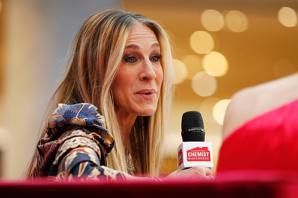 Sarah Jessica Parker「Sarah Jessica Parker Greets Fans At Highpoint Shopping Centre」:写真・画像(6)[壁紙.com]