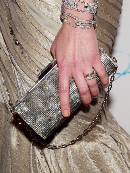 ミラ・ジョヴォヴィッチ「The Weinstein Company And Relativity Media's 2011 Golden Globe Awards Party - Arrivals」:写真・画像(4)[壁紙.com]
