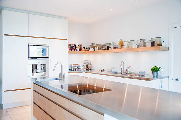 Modern kitchen and stainless steel counters:スマホ壁紙(壁紙.com)