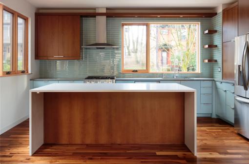 Pacific Northwest「Modern kitchen with solid surface island」:スマホ壁紙(2)