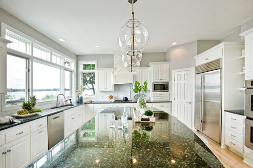 Lakeshore「Modern Kitchen design with open concept and bar counter」:スマホ壁紙(14)