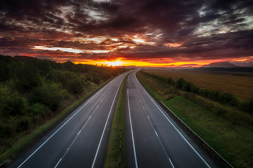 East Lothian「United Kingdom, Scotland, East Lothian, road at sunrise」:スマホ壁紙(0)