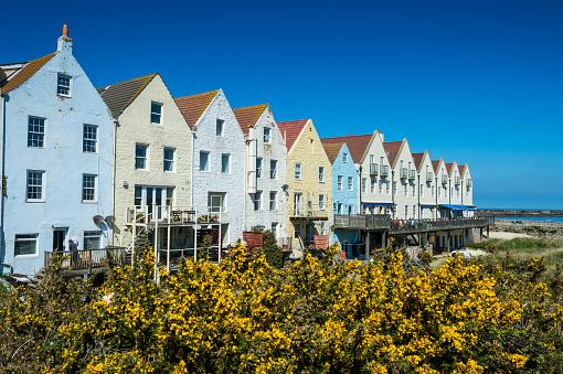 Restoration Style「United Kingdom, Channel Islands, Alderney, renovated houses formerly the docks in Braye」:スマホ壁紙(13)