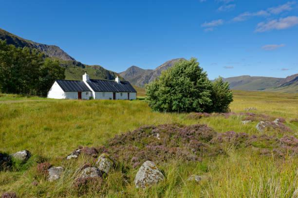 United Kingdom, Scotland, Highland, Buachaille Etive Mor, Glencoe, Black Rock Cottage, farmhouse:スマホ壁紙(壁紙.com)