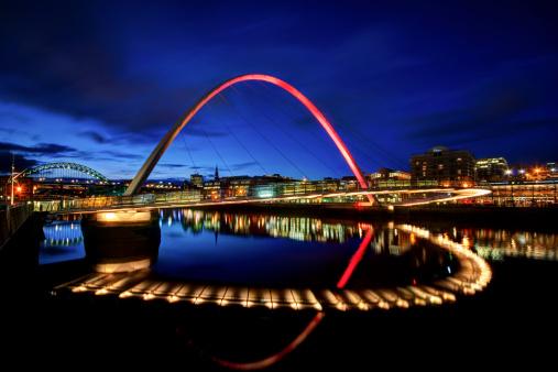 Newcastle-upon-Tyne「United Kingdom, England, Newcastle, View of River Tyne and Millenium Bridge」:スマホ壁紙(10)