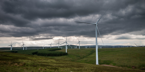 East Lothian「United Kingdom, Scotland, View of wind turbine at Dunbar」:スマホ壁紙(3)