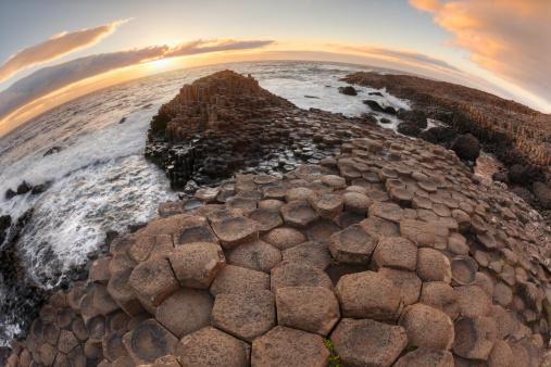 Basalt「United Kingdom, Northern Ireland, County Antrim, View of causeway coast at dusk」:スマホ壁紙(13)