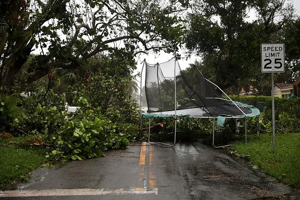 Pompano Beach「Powerful Hurricane Irma Slams Into Florida」:写真・画像(2)[壁紙.com]