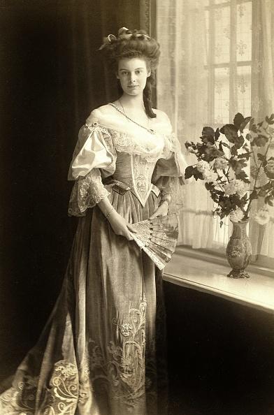 スタジオ撮影「Cecilie Of Mecklenburg-Schwerin」:写真・画像(15)[壁紙.com]