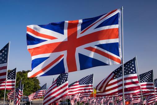 ユニオンジャック「Flag of Britain surrounded by U.S. flags」:スマホ壁紙(2)