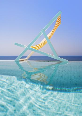Side View「Deck chair on edge of pool」:スマホ壁紙(9)
