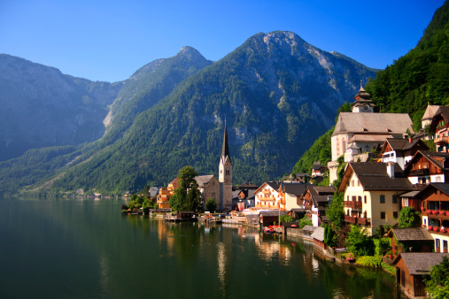 Dachstein Mountains「Austria, Hallstatt Village and Hallstatter See lake」:スマホ壁紙(15)