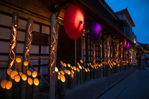 Kimono「Bamboo and paper umbrella candle lights in Obon night event  in Japan」:スマホ壁紙(9)