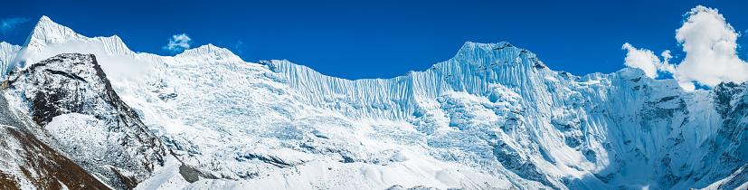 Island Peak「Great ice wall above Chukhung Glacier Himalaya mountains panorama Nepal」:スマホ壁紙(8)