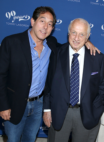 Two People「Tommy Lasorda's 90th Birthday Celebration」:写真・画像(17)[壁紙.com]