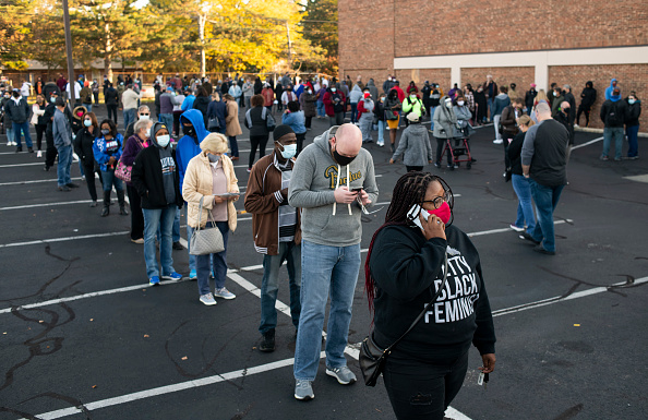 In A Row「Early Voting Begins In Ohio」:写真・画像(0)[壁紙.com]