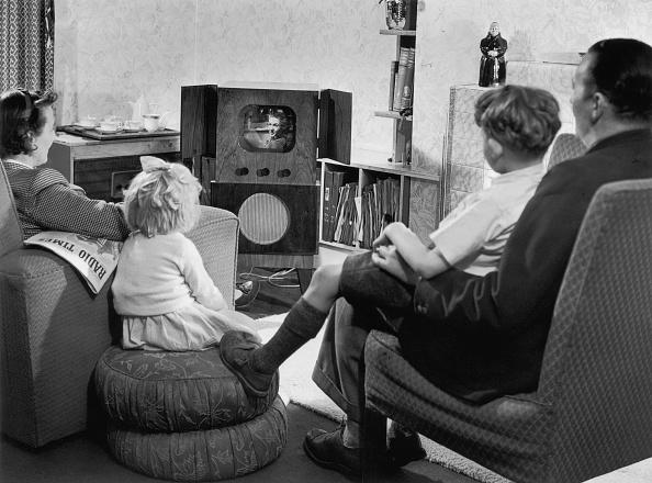 Watching「Home Entertainment」:写真・画像(13)[壁紙.com]
