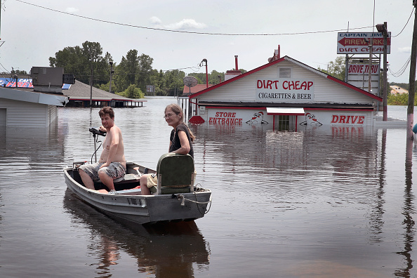 Missouri「Midwest Rivers Reach Major Flood Stage At Historic Levels」:写真・画像(19)[壁紙.com]
