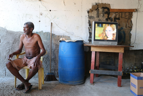 Soap「Rio's Mare Favela Remains Under Occupation Following World Cup」:写真・画像(18)[壁紙.com]