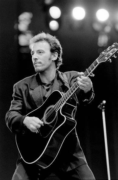 Acoustic Guitar「Bruce Springsteen」:写真・画像(7)[壁紙.com]