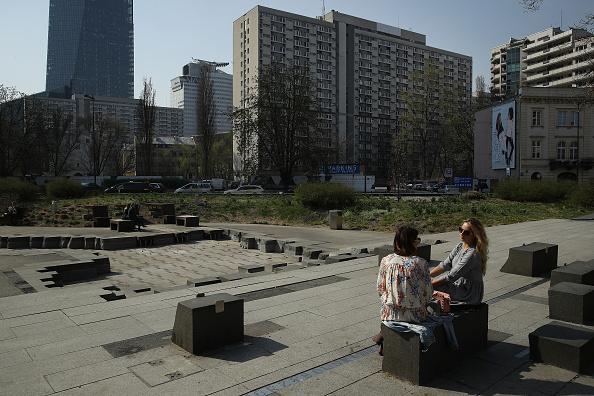 Sean Gallup「Warsaw Ghetto Uprising 75th Anniversary Nears」:写真・画像(13)[壁紙.com]