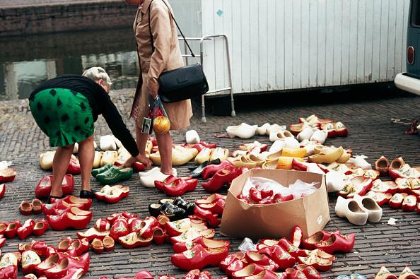 Netherlands「Women Search For Dutch Shoes」:写真・画像(16)[壁紙.com]