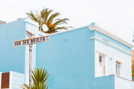 Malay Quarter「Bo Kaap street sign and blue house」:スマホ壁紙(9)