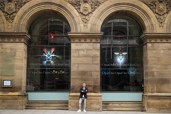 Human Interest「Radisson Blu Edwardian Manchester, Official Hotel Partner of Manchester Pride Unveils Artwork by Christian Taylor To Celebrate This Year's Event」:写真・画像(17)[壁紙.com]
