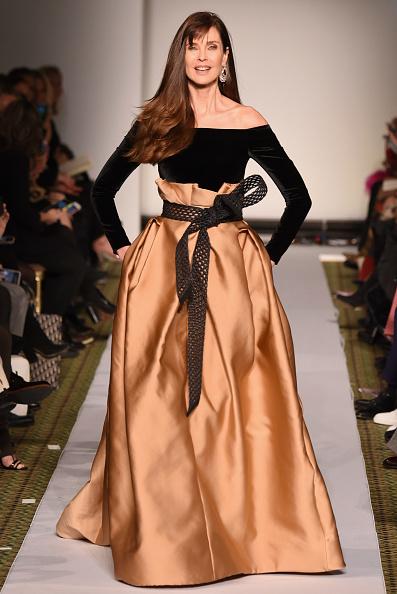 ミッドタウンマンハッタン「Dennis Basso - Runway - February 2019 - New York Fashion Week」:写真・画像(14)[壁紙.com]