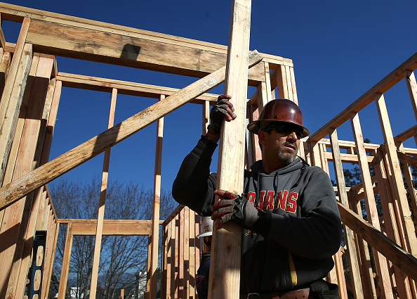 Construction Industry「Increase In Housing Starts At End Of Year Signals Housing Market Recovery」:写真・画像(19)[壁紙.com]