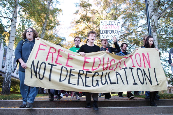 オーストラリア「Students Protest Deregulation Of Higher Education」:写真・画像(1)[壁紙.com]