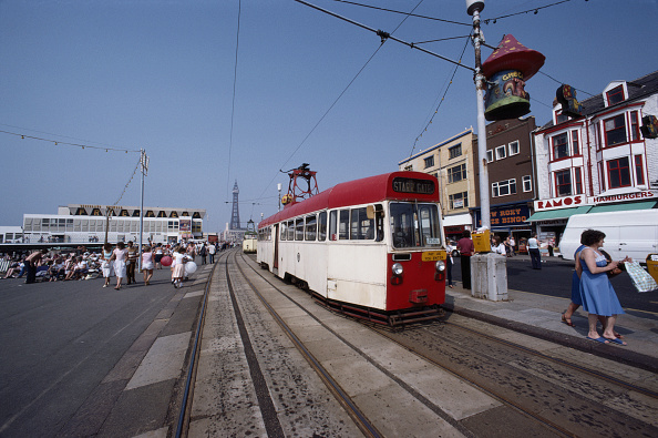 Water's Edge「Blackpool Tram」:写真・画像(14)[壁紙.com]