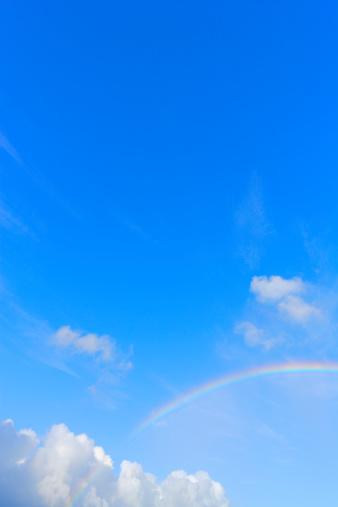 虹「Rainbow appears at blue sky and cloud」:スマホ壁紙(16)